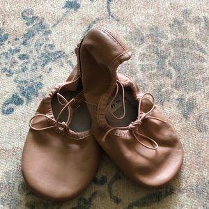 Other - Children's pink ballet slippers